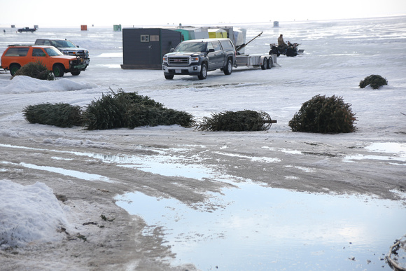 PAD Feb 20 Sturgeon Fishing Sites on a warm day